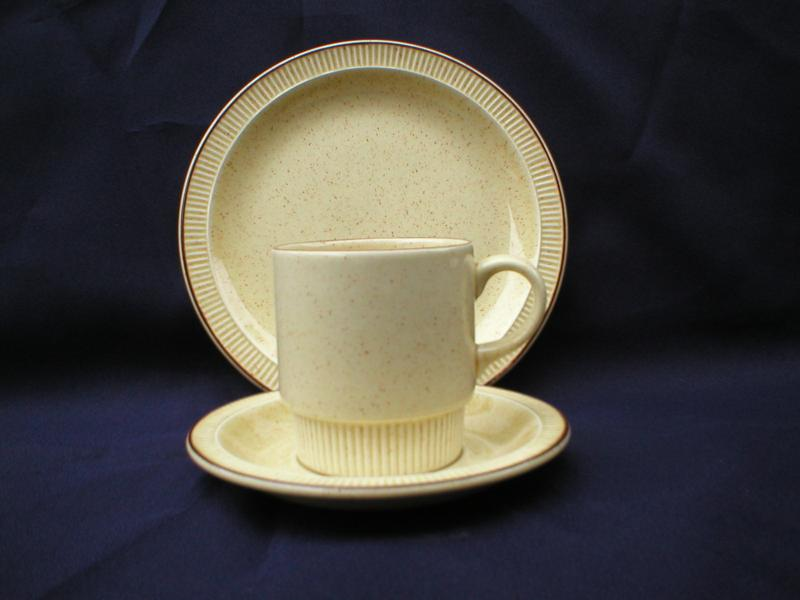 Discontinued Poole Pottery Broadstone & Poole Pottery Broadstone Parkstone tableware and other compact ranges